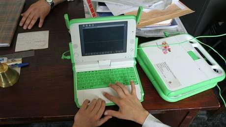 Notebook como o distribuído pelo governo uruguaio aos estudantes do país