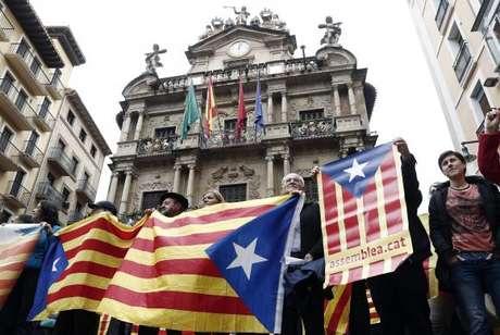 Polícia espanhola fecha seções de votação na Catalunha