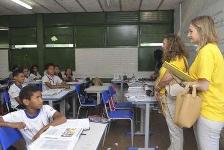 De acordo com o questionário da Prova Brasil de 2015, respondido pelos diretores das escolas brasileiras, cerca de 3% das escolas aplicam o modelo confessional