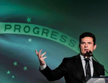 Favreto não quis comentar o comportamento do juiz Sérgio Moro, que se negou a cumprir a primeira decisão, mais cedo,