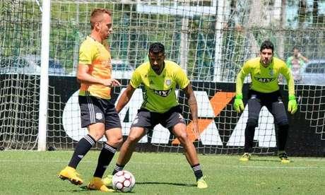 Zé Love mira em sequência positiva para garantir a permanência do Figueira na Série B (Foto: Luiz Henrique / Divulgação / Figueirense)