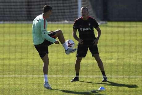 Ronaldo à parte, Pepe integrado (vídeo) — Seleção