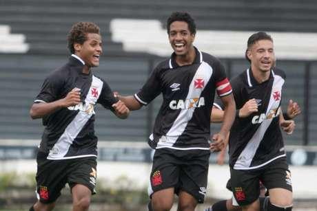 Meninos do Vasco venceram o Avaí em São Januário pela Copa do Brasil sub-17 (Foto: Paulo Fernandes/Vasco)