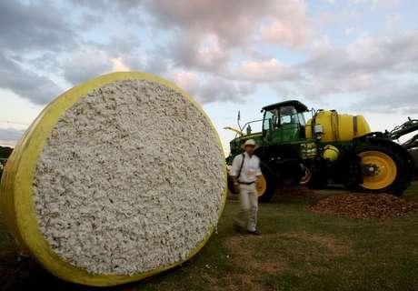 Fardo de soja durante feira agrícola em Ribeirão Preto, no Estado de São Paulo, Brasil 27/04/2015 REUTERS/Paulo Whitaker
