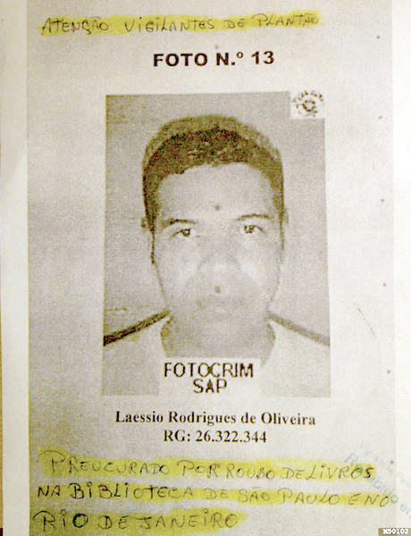 """Cartaz de """"procurado"""" com a foto de Laéssio"""
