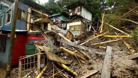 Cerca de 5 mil pessoas estão dormindo em abrigos temporários, na Cosa Rica.