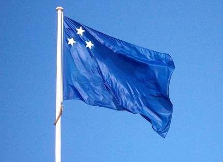Estrelas em bandeira de movimento separatista representam os Estados do Paraná, Santa Catarina e Rio Grande do Sul