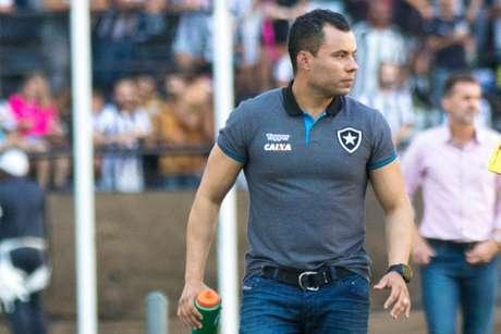 O técnico Jair Ventura está no comando do Botafogo desde agosto do ano passado (Foto: Wagner Assis/Eleven)