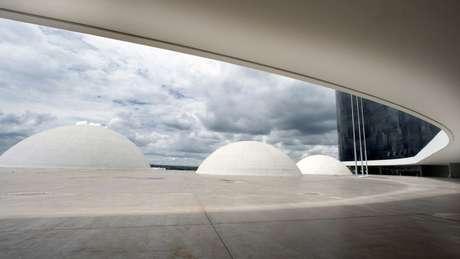 Vista da cúpula dos auditórios do TSE em Brasília