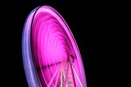 Com entrada gratuita, Roda Gigante é instalada no Parque do Ibirapuera em homenagem ao Outubro Rosa