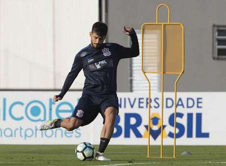 Camacho exaltou a semana de treinos (Foto: Daniel Augusto Jr)