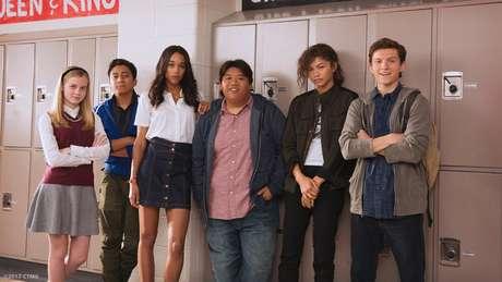 """No filme, Peter Parker participa de um """"decathlon acadêmico"""" com seus colegas de escola"""