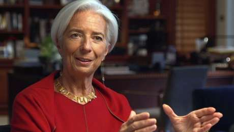 Para o FMI, comandado por Christine Lagarde, os brasileiros ainda não superaram os impactos de dois anos seguidos de recessão
