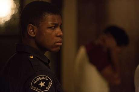 """Novo filme de Kathryn Bigelow, """"Detroit em rebelião"""", aborda a brutalidade policial durante conflitos raciais nos EUA nos anos 60"""