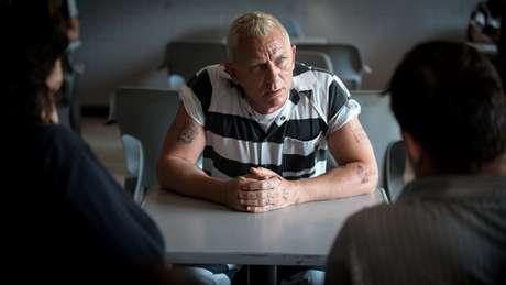 """Daniel Craig aparece irreconhecível na comédia """"Logan Lucky - Roubo em Família"""""""