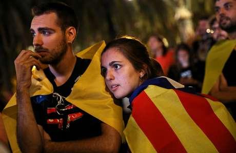Declaração de independência da Catalunha foi considerada ambígua por muitos e decisão de suspender o processo separatista gera mais dúvidas que certezas na Espanha