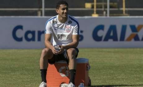 Pablo treinou normalmente no Timão (Foto: Daniel Augusto Jr)