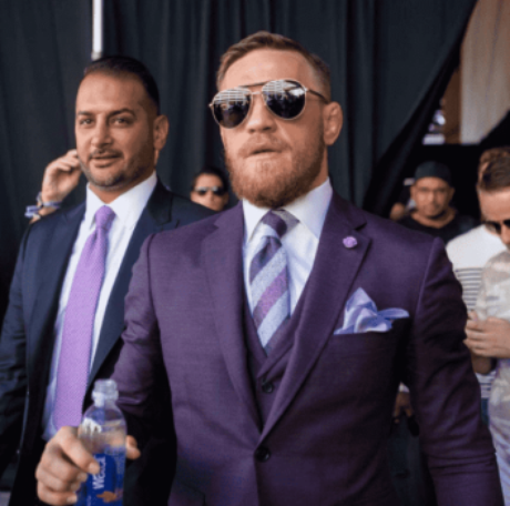 Conor McGregor chega para superluta com Floyd Mayweather em Las Vegas (EUA)