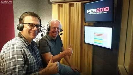 Mauro Beting ao lado de Milton Leite na gravação de PES 2018 (Foto: Divulgação / Konami)