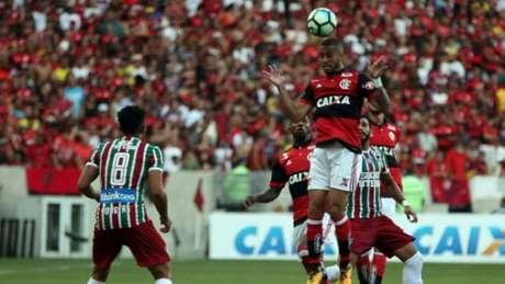 Volante foi substituído no segundo tempo por Arão Lucas Tavares / Fotoarena)