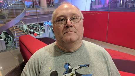 Wayne May (nome fictício) durante entrevista nos escritórios da BBC em Londres