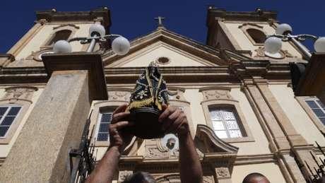 Autoria de escultura da santa já foi identificada com diferentes versões | Foto: Paulo Pinto/FotosPublicas