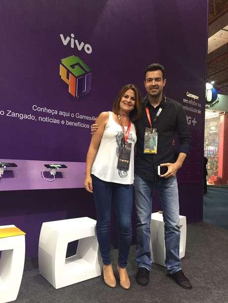Carla Beltrão, Diretora de Negócios do Terra, e Fernando Luciano, Diretor de Serviços Digitais e Inovação da Vivo, lançaram o Games4U na Brasil Game Show