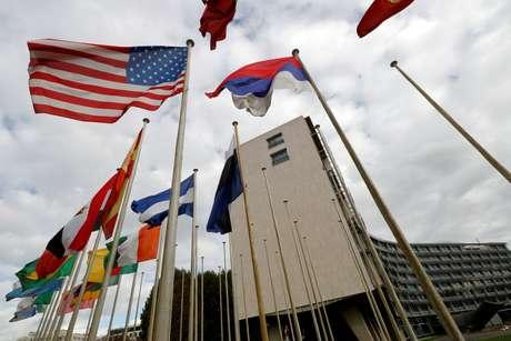 Bandeira norte-americana na sede da Unesco