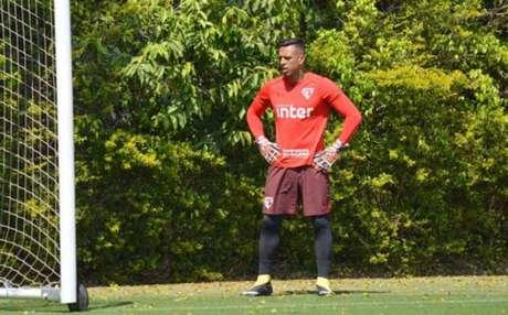 Goleiro acredita que a torcida continuará aliada do time mesmo fora do Morumbi (Foto: Felipe Espindola / SPFC)