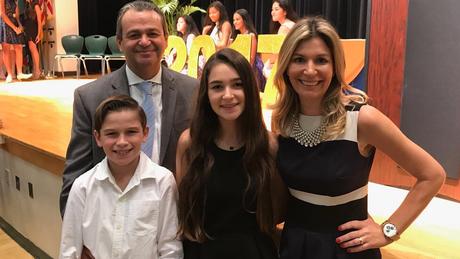 Antonio Cássio Segura com os filhos e a esposa nos Estados Unidos