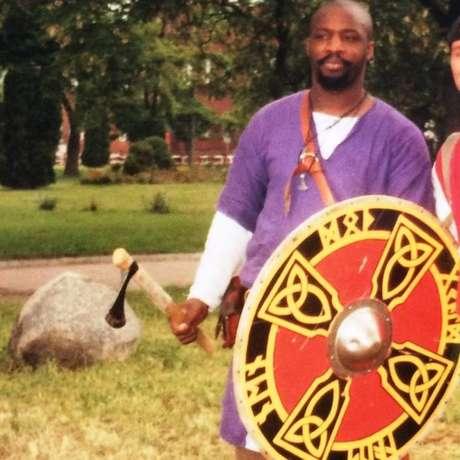 Norman vivenciou preconceito, mas conseguiu respeito entre os vikings