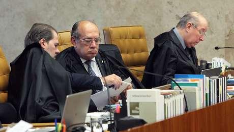 Dias Toffoli (esq.) e Gilmar Mendes (centro) ficaram do lado vencedor no julgamento | foto: Carlos Moura / STF