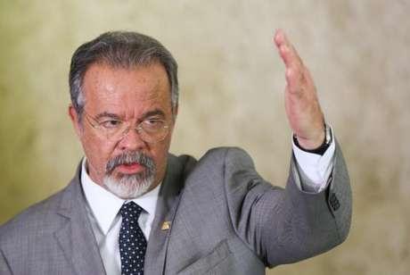 Para o ministro da Defesa, Raul Jungmann, o envolvimento do crime organizado no processo eleitoral é preocupante