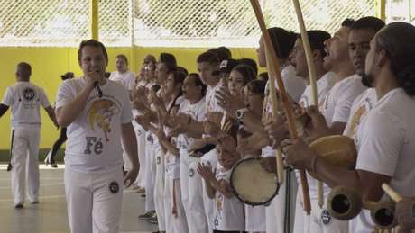"""Adoção do termo """"gospel"""" serve para quebrar resistências, diz mestre de capoeira"""