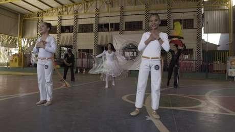 Alguns mestres de capoeira acusam capoeiristas evangélicos de apagar a raiz africana dessa arte brasileira