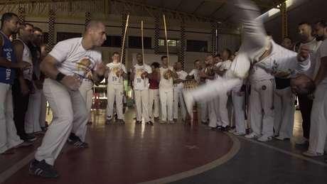 Capoeira chegou a ser proibida no passado e, em 2014, recebeu o título de Patrimônio Cultural Imaterial da Humanidade da Unesco