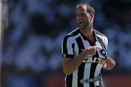 Botafogo empata no último lance na Ressacada e mantém jejum do Avaí