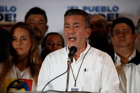 Chefe da campanha eleitoral da oposição da Venezuela, Gerardo Blyde, durante coletiva de imprensa, em Caracas 15/10/2017 REUTERS/Carlos Garcia Rawlins