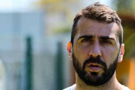 Pratto pede foco no jogo desta quarta, contra o Fluminense, para aliviar situação (Foto: Marcello Fim/Raw Image)