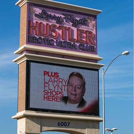 Os negócios de Flynt incluem cassinos e clubes de striptease