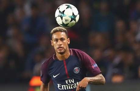 Neymar receberá 3 milhões de euros se vencer Bola de Ouro