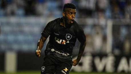 Marcos Vinícius entrou após o intervalo e fez o gol salvador do Botafogo na noite desta quarta (Eduardo Valente)