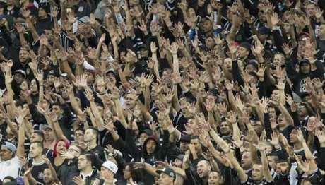 Torcida do Corinthians lotará a Arena no clássico contra o Palmeiras (Foto: Daniel Augusto Jr)
