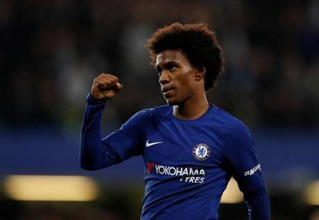 Willian comemora gol do Chelsea contra o Everton  25/10/2017     Action Images via Reuters/John Sibley
