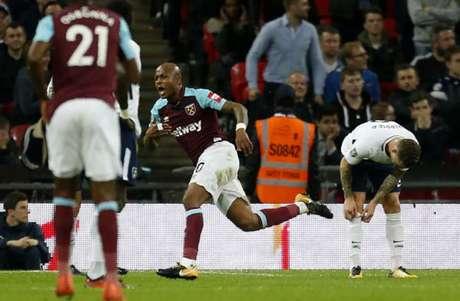 Desastre na segunda parte leva Tottenham a cair na Taça da Liga