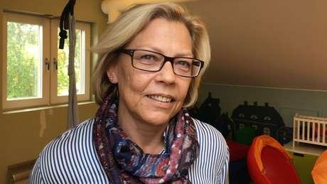 Annica Carlshamre: doença tem a ver com trauma, não asilo