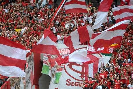 Cerca de 38 mil torcedores lotaram o Beira-Rio neste sábado.