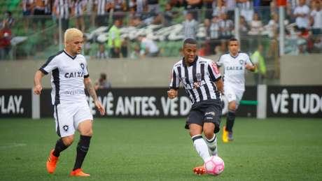 Fogão segurou a pressão atleticana, que aconteceu em boa parte do duelo (Vinnicius Silva/Raw Image)
