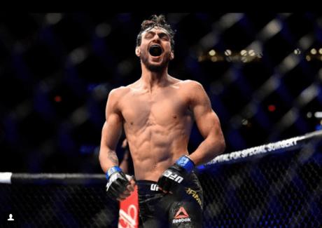 Ricardo Carcacinha nocauteou Aiemann Zahabi no terceiro round (FOTO: Reprodução/UFC)