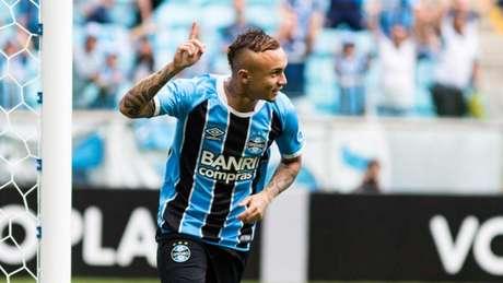 Everton entrou e mudou o jogo para o Grêmio (Paulo Machado/Agência Freelancer)